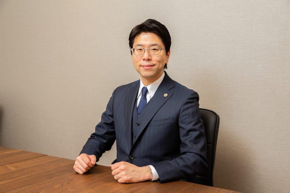 菅原弁護士