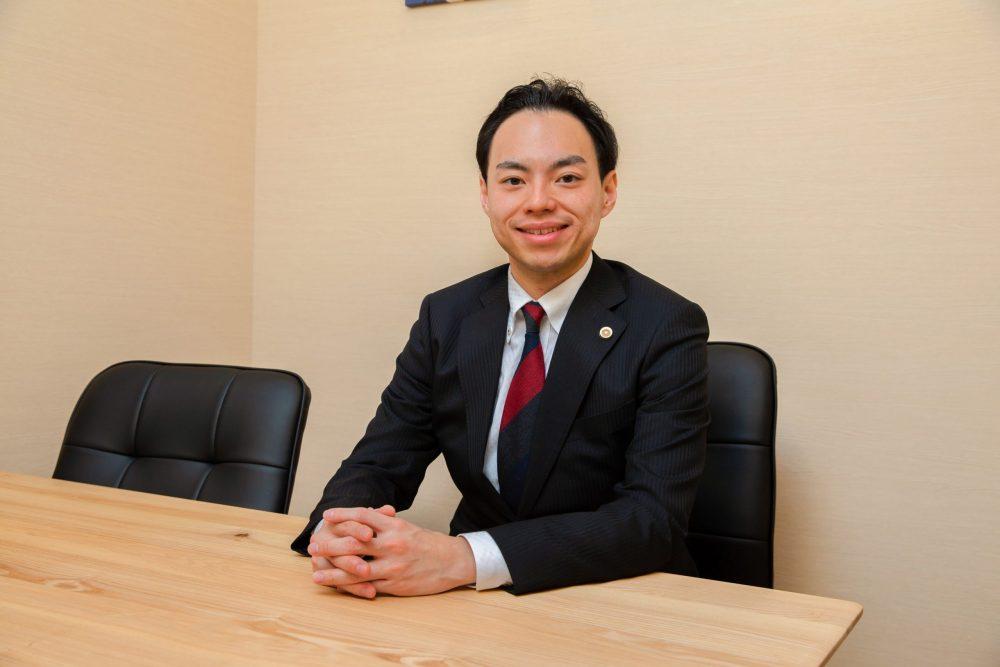 小泉弁護士